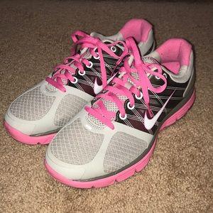 NWT Girls Nike Lunarglide Shoes
